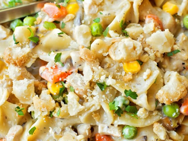 One Pot Creamy Chicken Pot Pie Noodles Life Made Simple
