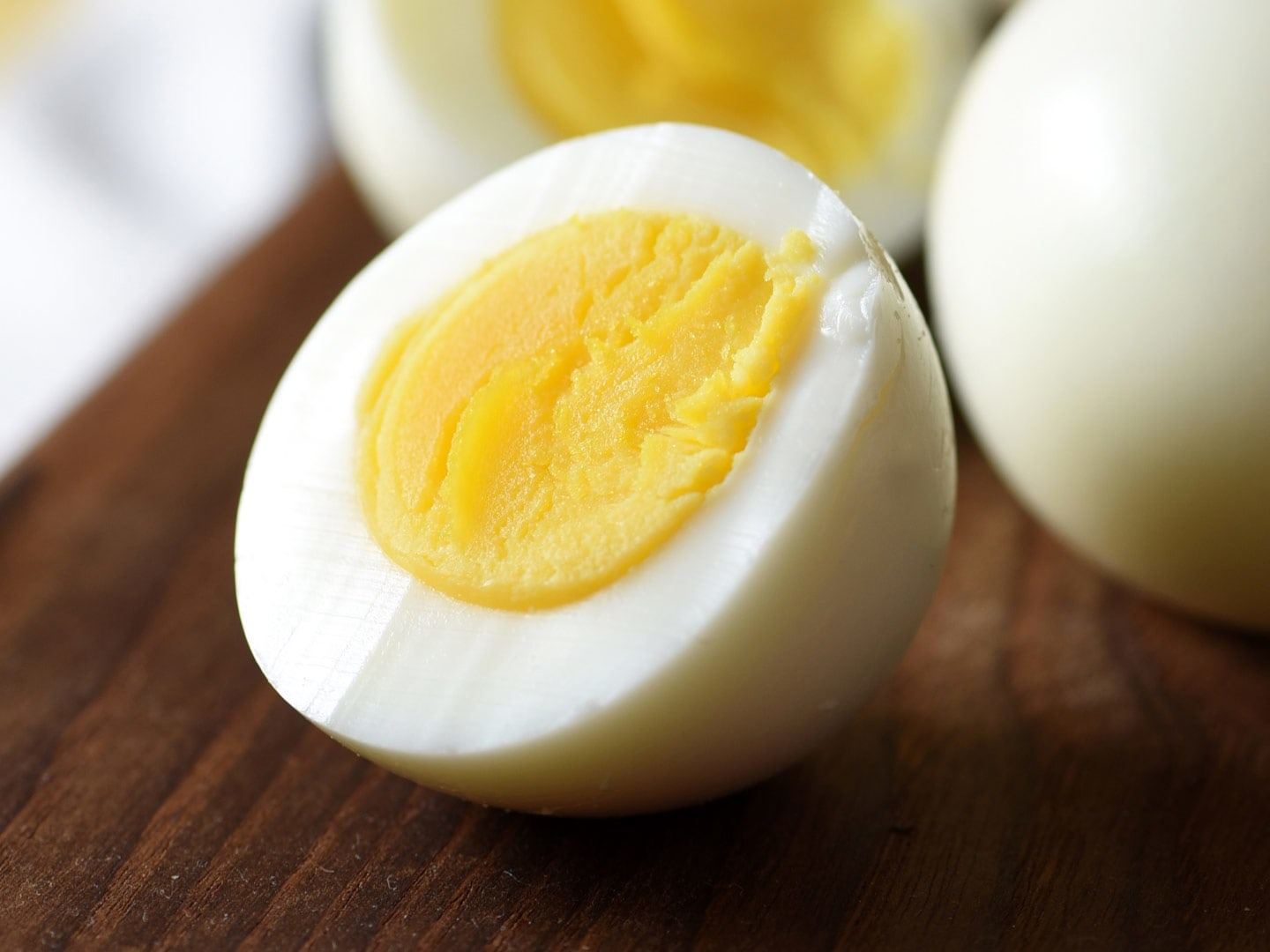 How long do you boil eggs for coloring